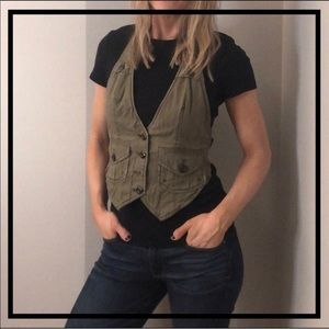 🔥5 for $35🔥 AEO Stylish Olive Green Hipster Vest